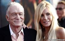 Hugh Hefner si Crystal Harris