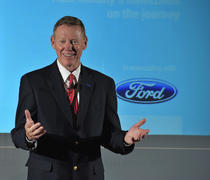 Alan Mulally, CEO al Ford