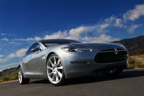 Tesla Model S in prima faza de design