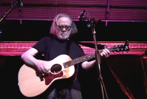 Tommy Ramone, in concert (2012)