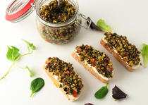 Crostini Tapenade