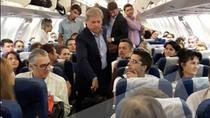Dacian Ciolos in avion