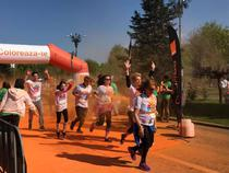 Participanti la crosul Color Run