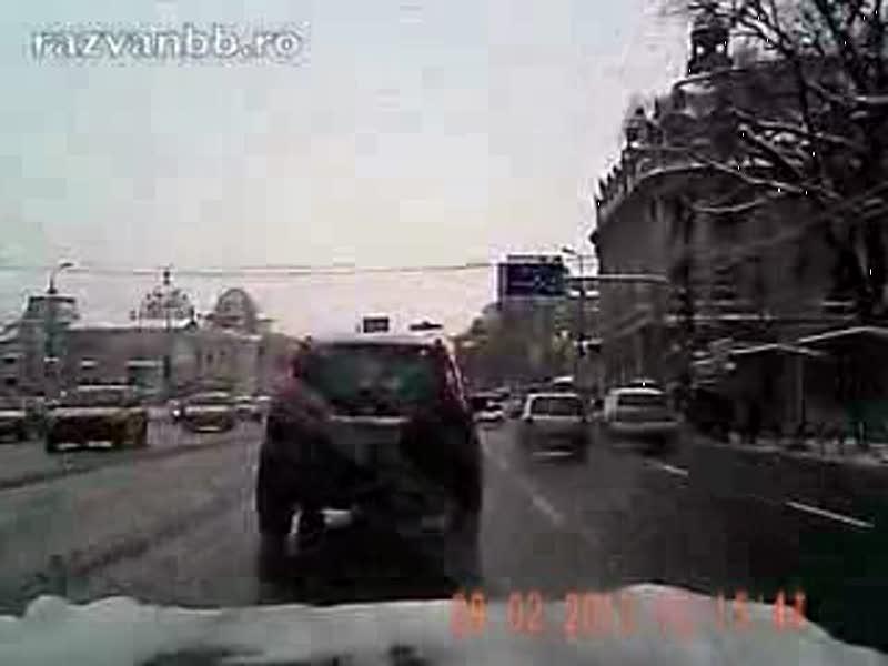 Politia trece pe rosu