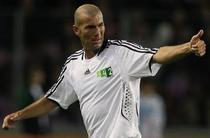 Zidane, chemat pentru a ajuta Franta