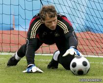 Jens Lehmann revine la Arsenal