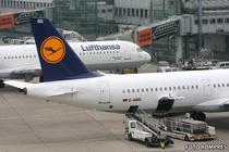 Avioane Lufthansa raman la sol