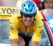 Armstrong, pe vremea cand castiga Turul Frantei
