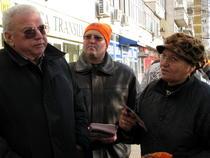 Galerie foto: Ioan Talpes in campanie electorala / cartierul Berceni, Bucuresti