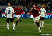 Vucinic se dezbraca dupa ce a marcat in poarta lui Cagliari