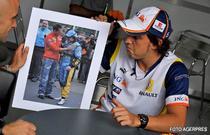 Alonso, uitandu-se la o poza cu el si Schumacher