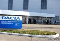 Criza forteaza Dacia sa ia inca doua saptamani de pauza