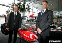 Ron Dennis a pozat langa noul monopost McLaren