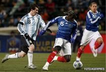Messi l-a ametit pe Sagna