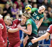 Bojana Popovic (cu mingea in mana), starul lui Viborg