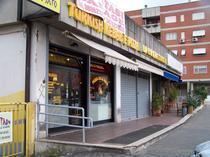 Fast-foodul in care au fost batuti romanii