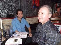 Claudiu Komartin (in fundal) si Ioan Es Pop