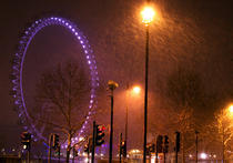 London Eye in ninsoare in prima noapte de februarie