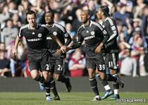 Anelka se bucura dupa reusita din meciul cu Aston Villa