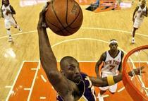 Cine il poate opri pe Kobe?