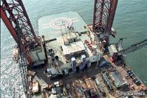 Platforma de extractie a petrolului in Marea Neagra