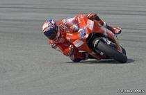 Stoner, pole position in ultima cursa a sezonului