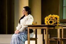 Tina Munteanu in rolul Tatianei din opera Evgheni Oneghin