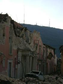 Prefectura Aquila, distrusa de cutremur