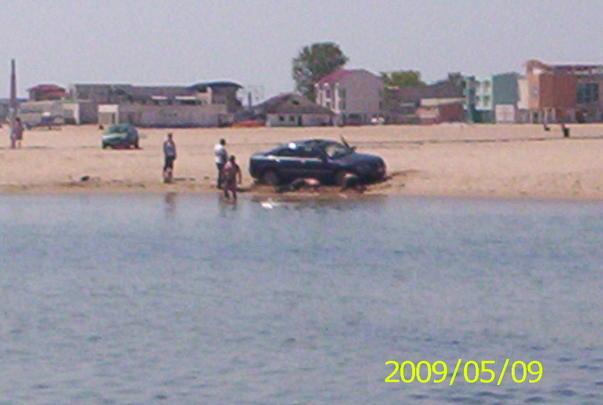 ''Tarani'' cu Audi pe plaja din Eforie Nord