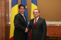 Emil Boc si reprezentantul Nokia Romania
