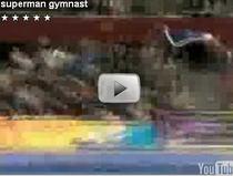 Superman si gimnastica