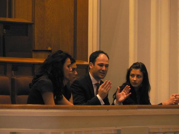 Deputatul Robert Negoita cu trei consiliere la Parlament