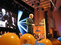 Lansarea PD-L cu cantec. Fotogalerie Hotnews.ro