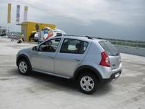 Dacia Sandero Stepway costa e la 9.200 euro