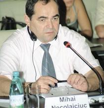 Daca nu va fi condamnat pana in 2011, Mihai Necolaiciuc ar putea scapa definitiv de inchisoare