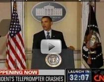Barack Obama si prompterul spart