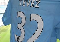 Carlos Tevez, dubla pentru City