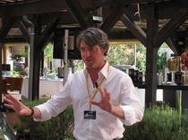 Malcolm Ward, cel care a desenat Insignia si noua Astra
