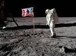 Fotografia controversata a steagului care se misca