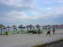 Pe plaja la Mamaia in iulie