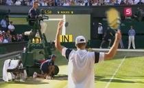 Roddick a contestat de mai multe ori reluarile Hawk-eye