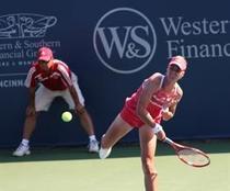 Elena Demenetieva o va intalni in semifinale pe Jelena Jankovic.