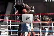 Shaq l-a infruntat pe De La Hoya in ring