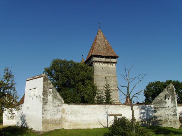Cetatea si biserica din Dealu Frumos / Schönberg