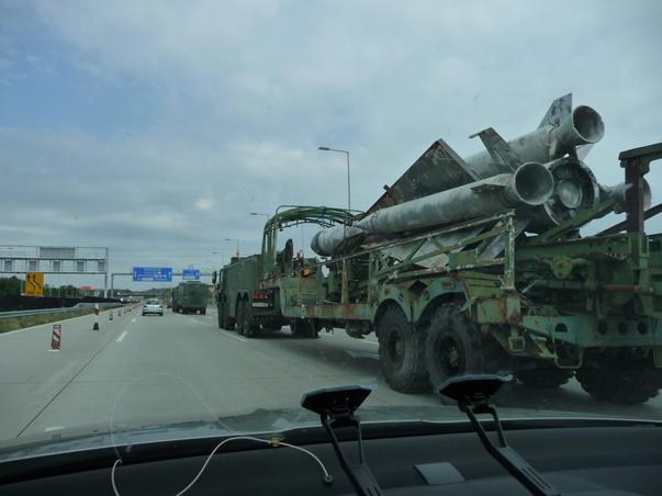 Armata maghiara ataca cu racheta.