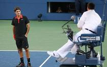 Federer, amendat cu 1.500 dolari