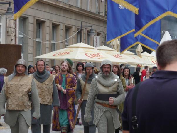 Strajeri la serbarile Bucurestiului - 550 ani