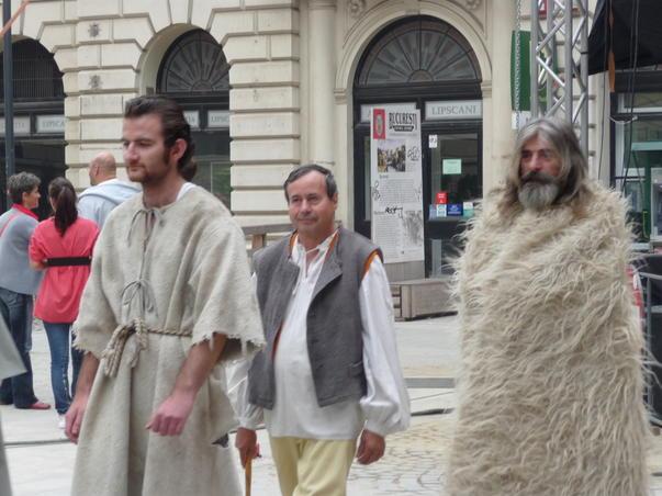 Popor - serbarile Bucurestiului - 550 ani