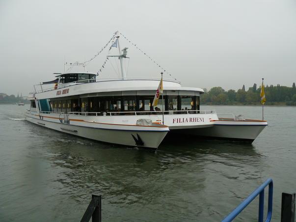 Cu vaporul pe Rin
