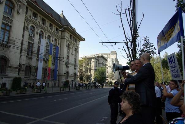 Protest in fata Primariei Bucuresti [2]